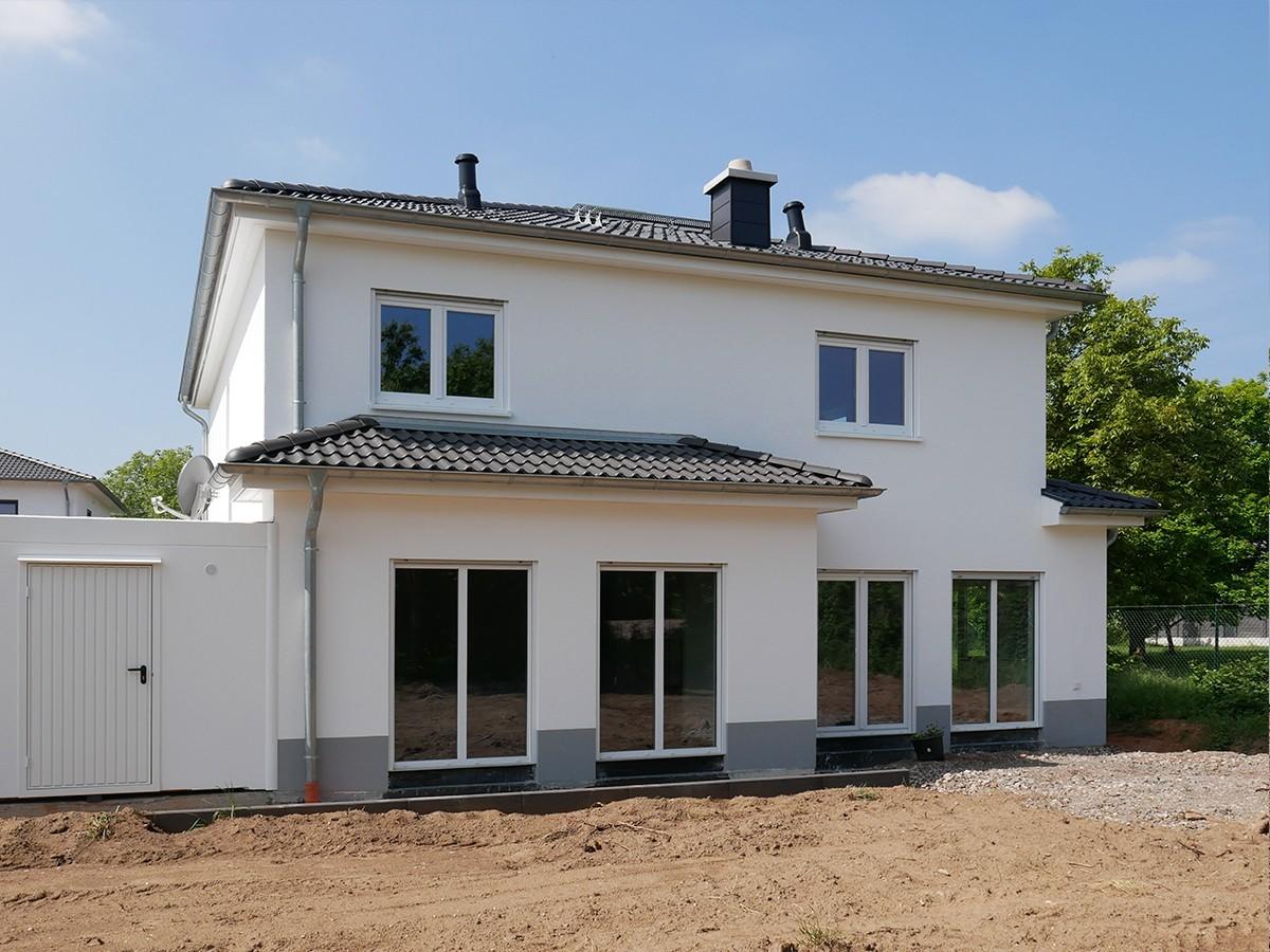 Hausübergabe in Neunkirchen Kohlhof Ein Spektral Haus